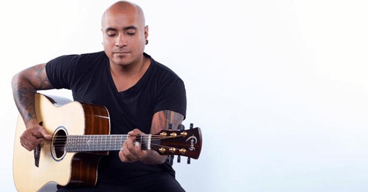 Faith Guitars Player, Jesse Jordan, Live at Im Eimer