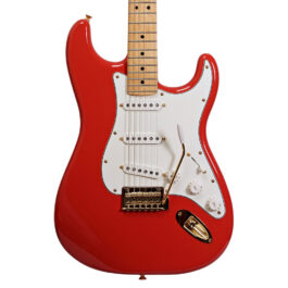 Fender Limited Edition Player Stratocaster – Maple Neck – Fiesta Red – Gold Hardware