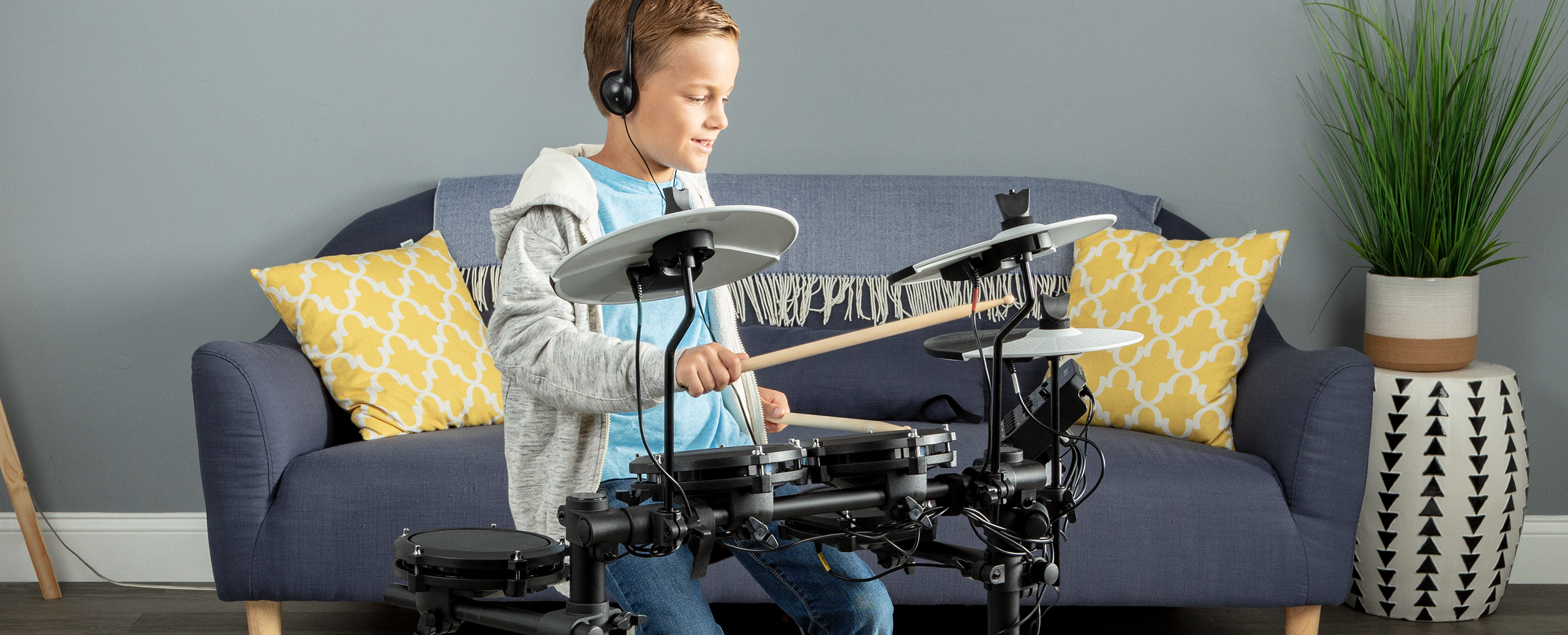 Start Your Drumming Journey – The Alesis Debut Kit