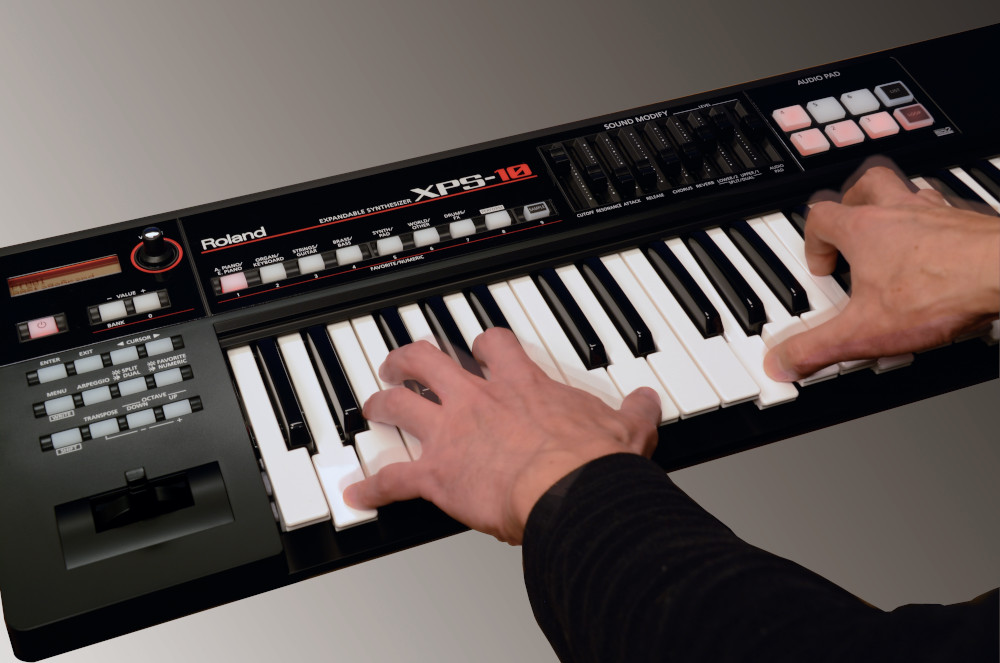 Roland XPS-10 : The Do-Anything Synth